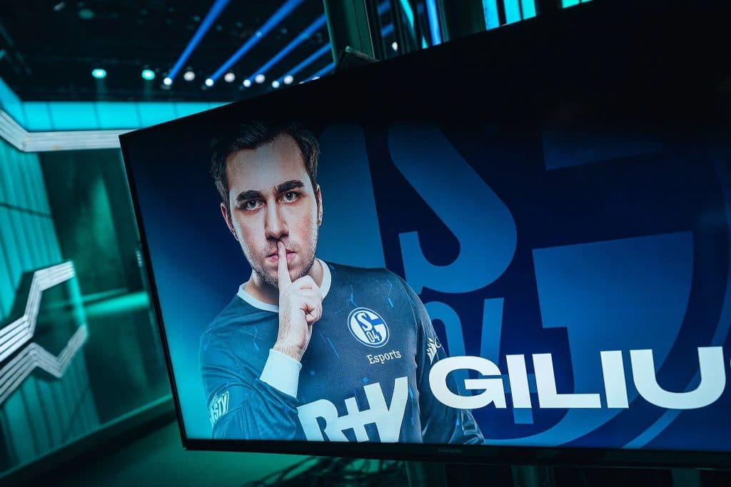 gilius schalke 04 lec superweek